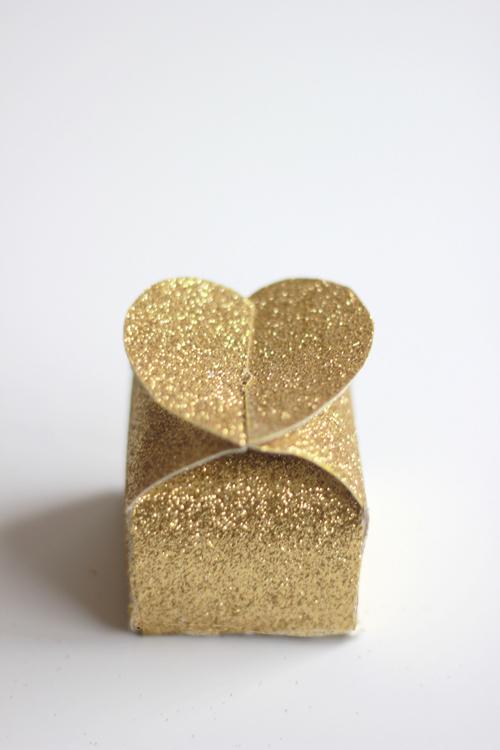DIY Glitter Valentine heart box by thehousethatlarsbuilt